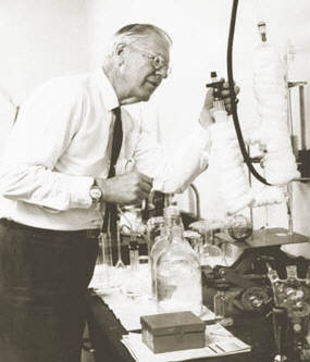 Kistler in his laboratory