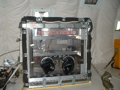 Experiment box used by the University of Wisconsin to make silica gels in microgravity on the KC-135A (image courtesy Stephen Steiner).